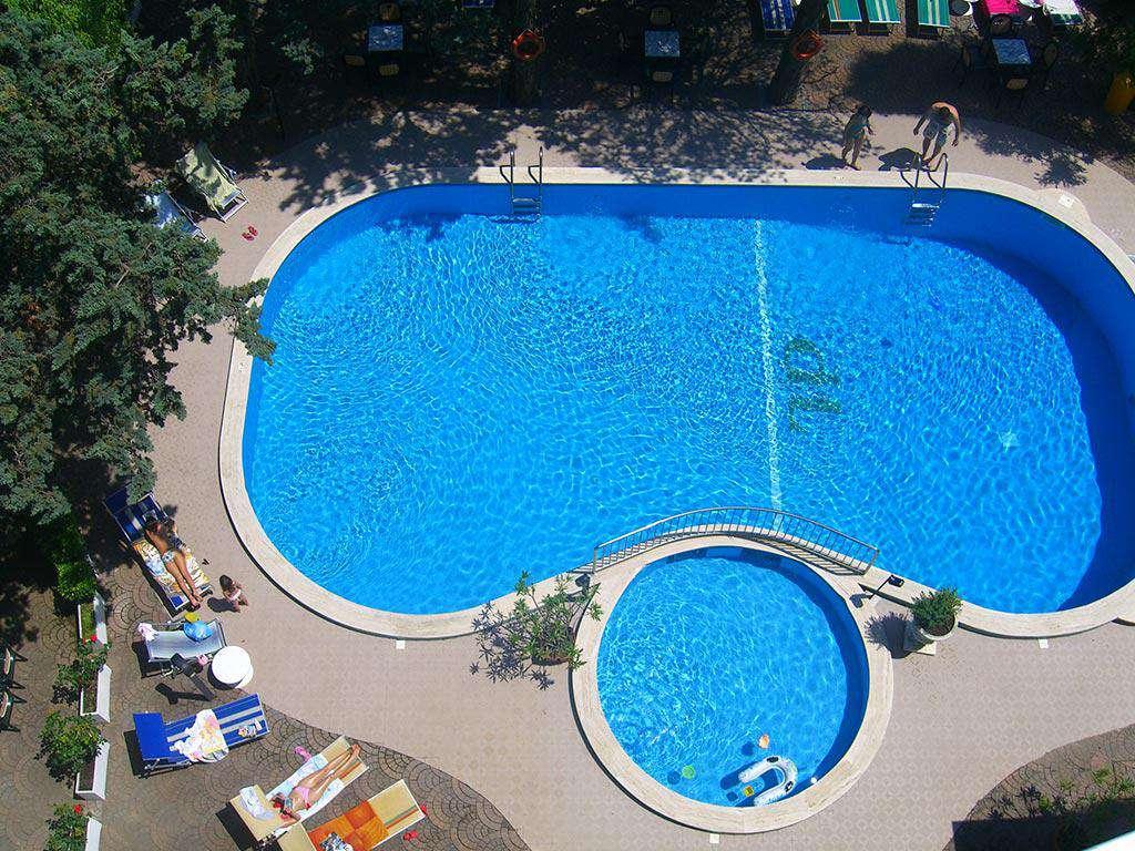 Hotel Tiffany Jesolo Piscina